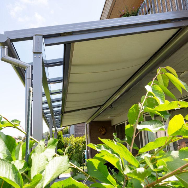 glasdach mit unterdachbeschattung
