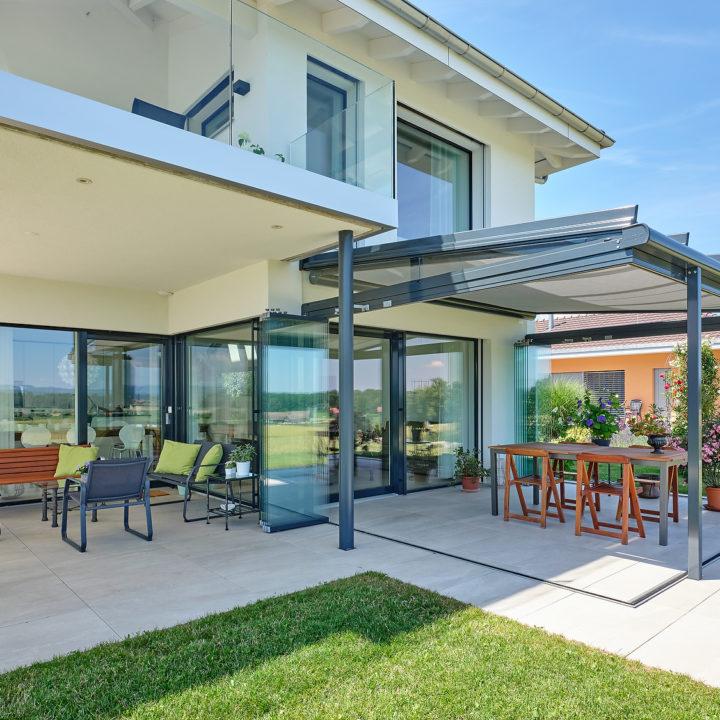 seitenansicht glasdach mit unterdachmarkise