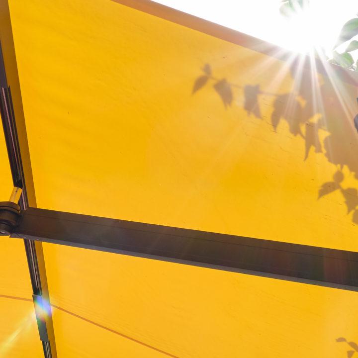 seitenansicht markise für sonnenschutz