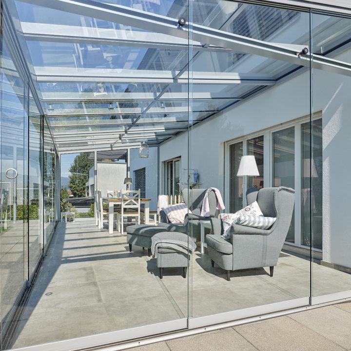 glashaus sommergarten mit ganz viel licht
